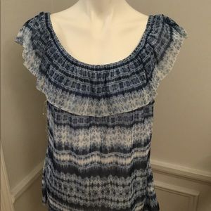 NWT LIGHTWEIGHT LACY SLEEVELESS PEASANT TOP